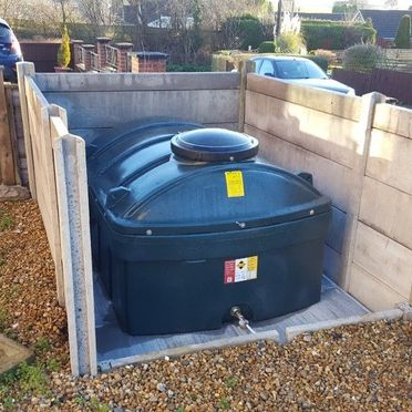 Horizontal Plastic Tank with Fence
